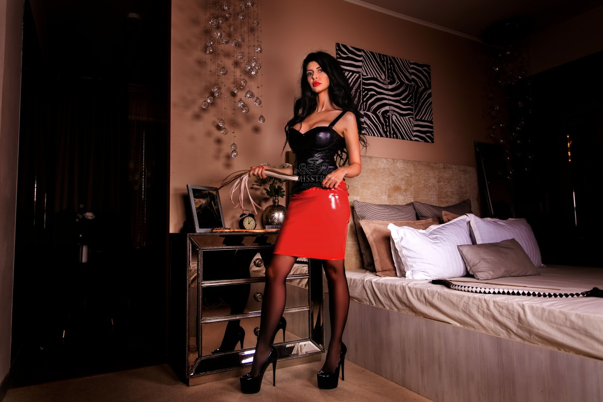 mistress-antonella-high-heels-and-bdsm-whip