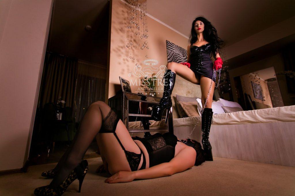 mistress-antonella-live-sessions