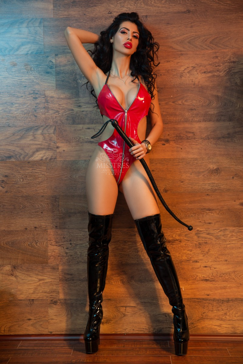 mistress-antonella-red-latex-body-and-whip-for-slaves