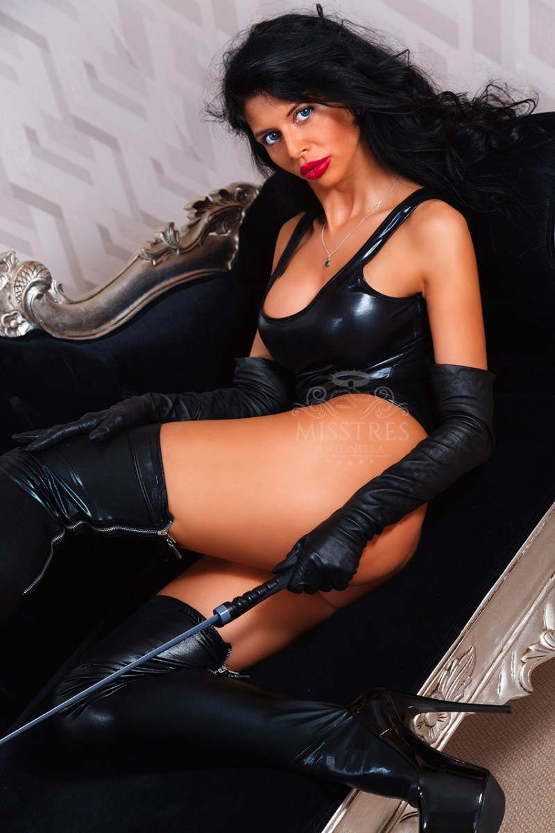 mistress-antonella-uses-her-whip-to-punish-slaves