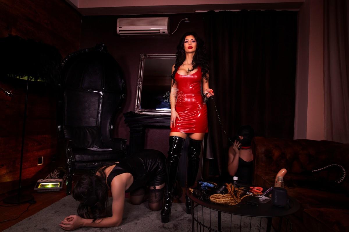 mistress-antonella-sissifying-men-slaves